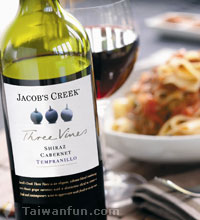 Jacob's Creek Three Vines Shiraz Cabernet Tempranillo 2007 & Jacob's Grenache Shiraz