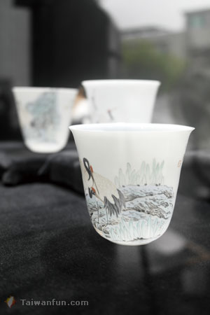 Exquisitely delicate eggshell porcelain from a Taichung artist