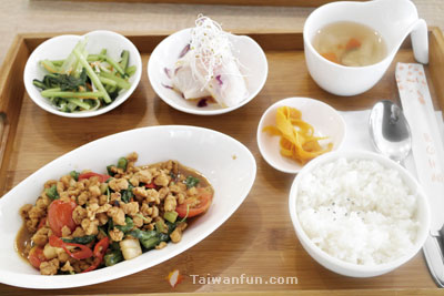 Nanfeng Vegetarian Cafe